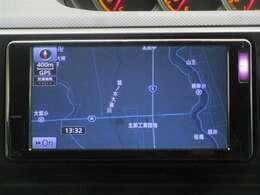 トヨタ純正ナビゲーション付き♪AM・FMが視聴可能☆使い勝手も良く、操作も簡単です!お気に入りの選曲で、通勤・ドライブを快適にどうぞ♪