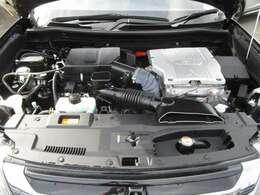 プラグインハイブリットEV 充電すると、電気だけで走行出来る電気自動車です