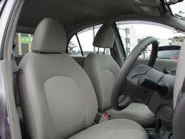 しっかりとした造りのシートで運転も快適に♪