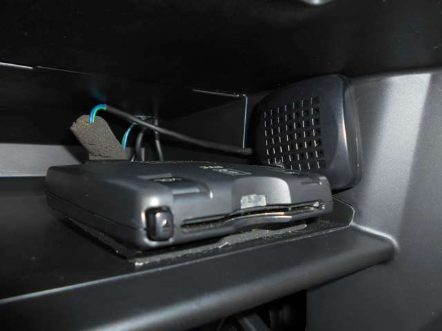 ETC車載機搭載車:ETCなら高速道路をスイスイと通過!!クルマは料金所をノンストップで通過することができます!