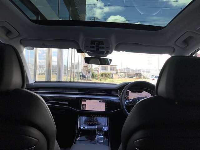 Audiならではの、ブラックを基調とした、質感高く、スポーティな内装を店頭にてお確かめ下さい。お問合せはフリーダイヤル【0066-9711-222859】へ
