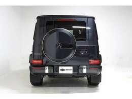 オプションは・AMGライン・ラグジュアリーパッケージ・アダプティブダンピングシステムが装着されています。