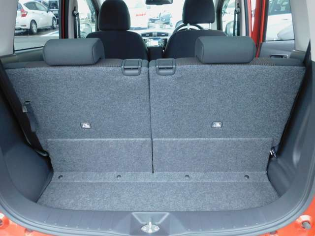 安全装置の横滑り防止機能【VDC】付きです。車がスピンしないようにコントロールしてくれる安全機能です。