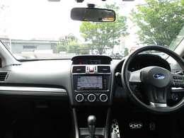 【支払総額表示】車両本体価格、自動車税、自動車取得税、自動車重量税、自賠責保険、リサイクル料金、諸費用(登録代行料、点検・整備代、etc)など上記の合計を支払総額として表示しています。