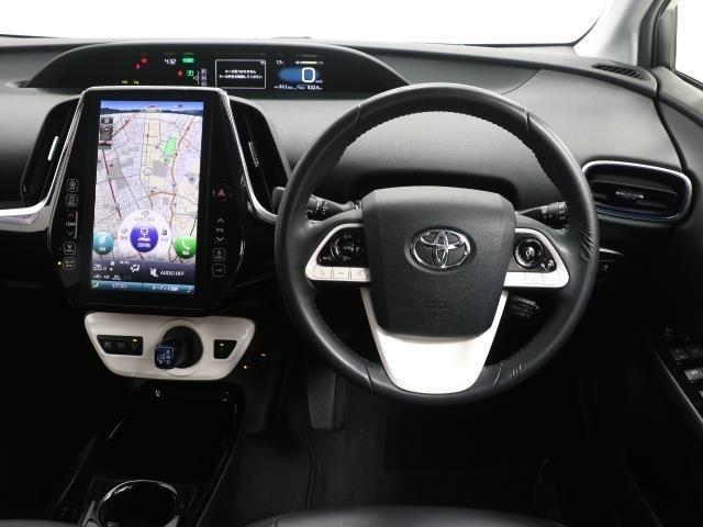 先進的な運転席周りですね。 ハイテクノロジーで考えに考え抜かれた居心地の良い運転席周りです。 ぜひ一度乗って見てください。 居心地の良さに驚かれると思いますよ。