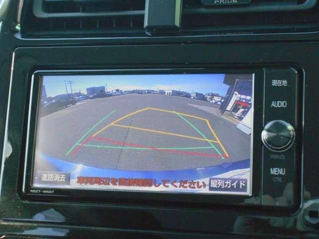 【バックモニター】車庫入れのときも安心のバックモニター付!見やすいカラー画像のバックモニターは運転席からの死角も確認でき、安心して駐車する事が出来ます!苦手な駐車もこれで安心ですね♪