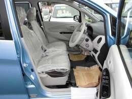 新車のご購入も是非当社にご相談ください。お客様のニーズに合う新車を各メーカーの中からご提案いたします。納車後の新車点検も当社にて実施させて頂きます。