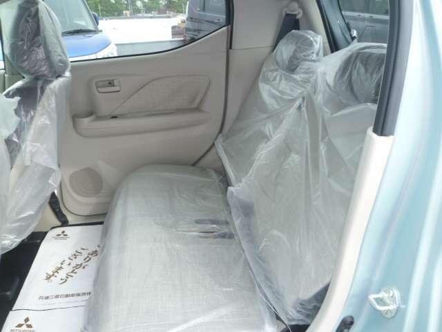 ゆったり座れる後席シートは乗り心地もいいです!!!