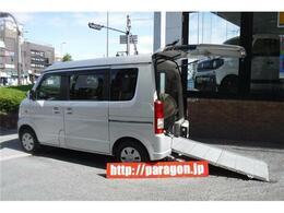 スズキ エブリイワゴン 660 ウィズ 車いす移動車 リヤシート付 電動固定式 4人乗キーレス
