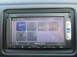 純正メモリーナビ(VXM-145C)です。CD再生可能♪ドライブに音楽は欠かせませんね。SD差込口も装備されています。