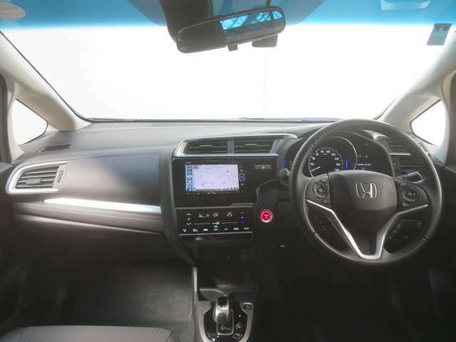 Honda車が初めての方にも扱いやすく分かりやすいインパネ周りと各種スイッチ類です