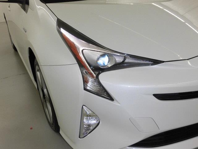 ヘッドライトは消費電力の少ないLED。夜の暗い道でも明るく照らしてくれるので、運転しやすいですよ。
