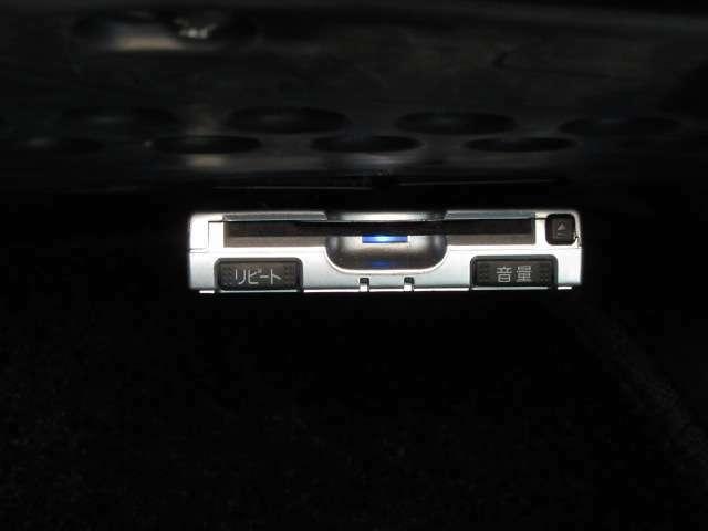 助手席下側に音声認識型社外ETC搭載!高速道路のアクセスもスムーズです♪