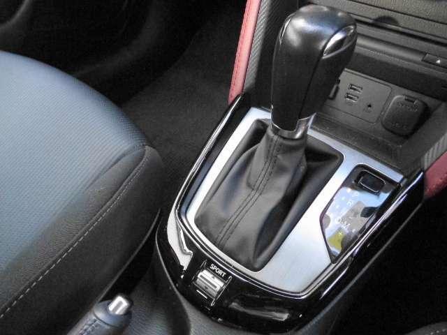 6速ATにドライブセレクション搭載!「SPORT」モードにして力強い加速で高速の合流も安心ですよ。
