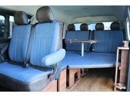 車内に広がるブルーのシートカバーがドライブを楽しませてくれます♪