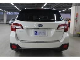 交通事故0を目指すSUBARUです、先進技術と伝統技術がこの車に凝縮されています