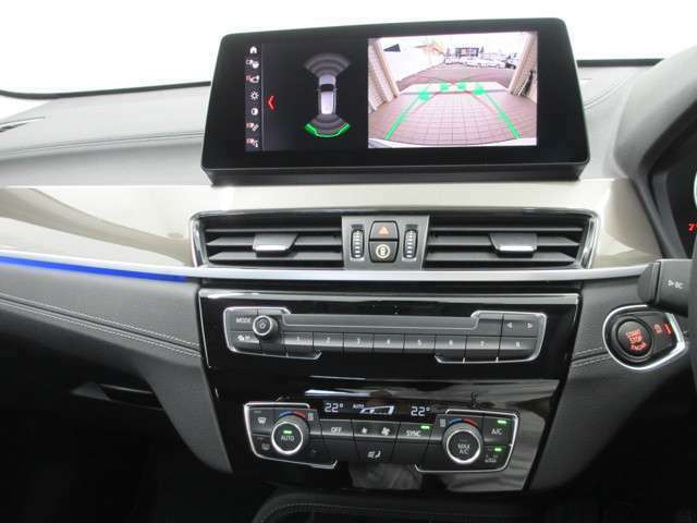 BMW認定中古車は、ドイツ本社と同様の教育・訓練を受けたBMW専門のメカニックが100項目以上のポイントを徹底的にチェックし、整備したうえでご納車させていただきます。