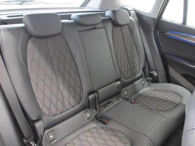 BMWに特化したオリジナルの保険『BMW自動車保険』を取り扱っております。大事な財産となるおクルマを様々な特約で補償する安心のプランをご用意しております。