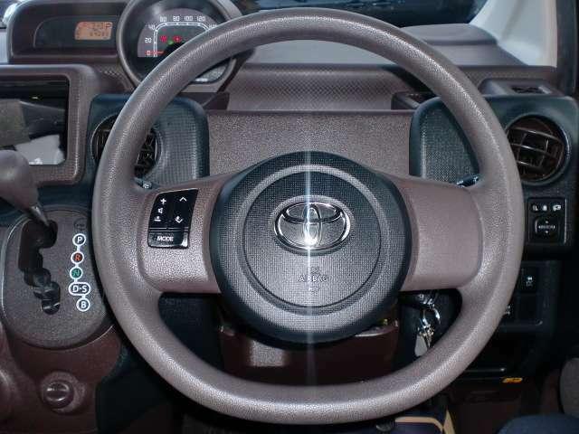 ステアリングリモコン付きです!運転中の視線移動を軽減できます!