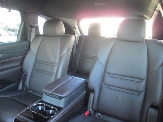 サードシートでは、マツダの人間中心設計の観点から、快適な座り心地、乗り心地を追及してます