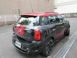 当社サンズ新横浜本店は、創業43年の輸入車専門店の営業にて得た経験を活かし、皆様の安心カーライフを全力でサポート致します。