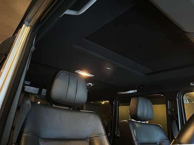 輸入車によく見られる天垂れですが、新しく張り替えられています。