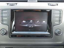 お好みのオーディオを聴きながら、楽しくドライブしましょう。運転中の操作は危険なので、停車時に操作しましょう!