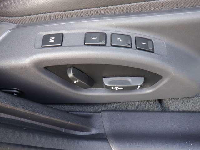 電動シート&メモリー付きでとっても便利です★シートヒーター付で、冬でも快適♪