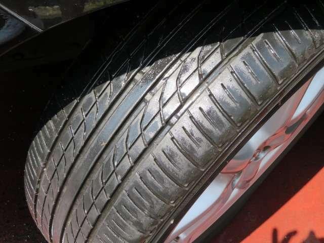 Bプラン画像:タイヤの山もしっかり残っています♪アメブロ「オートプラザ西武」*インスタ「AUTOPLAZAS_G」随時更新中♪入庫車情報もコチラ♪