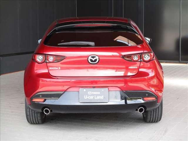 リヤビューの美しさもMAZDA3の魅力です。リヤビューの美しい車は名車だと思います。「美しく走る」というマツダのコンセプトを体現したMAZDA3です★☆★☆★
