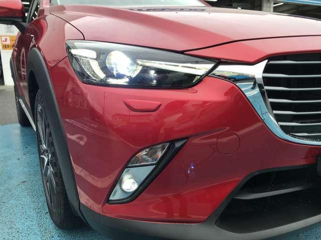 アダプティブLEDヘッドライトを装備し、夜間の安全性能も充実☆4WD専用装備のヘッドライトウォッシャー付き!