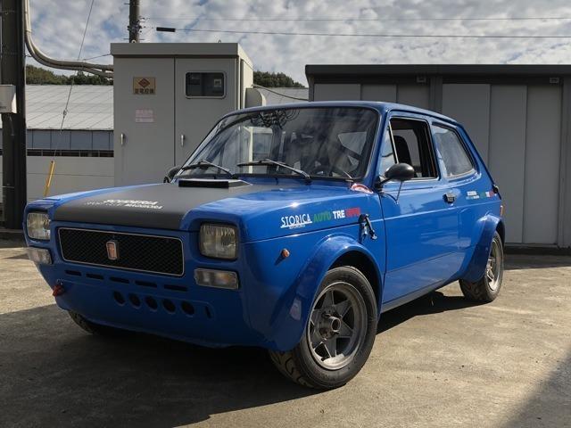 1973年製初期型FIAT127、イタリアACH主催のヒルクライム、ラリー競技での実走車です。当時の日本のディーラーでは取り扱いのなかった車種なので大変希少な車種です。