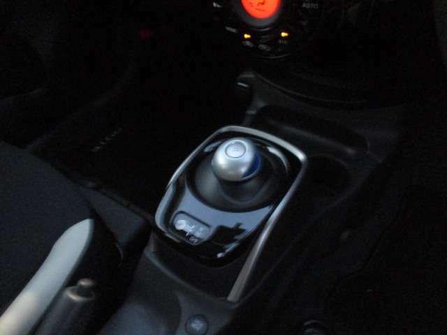 モーター走行で低燃費と高出力を兼ね備えてます!何よりも燃費でお財布にやさしいのがいいですね~ ☆