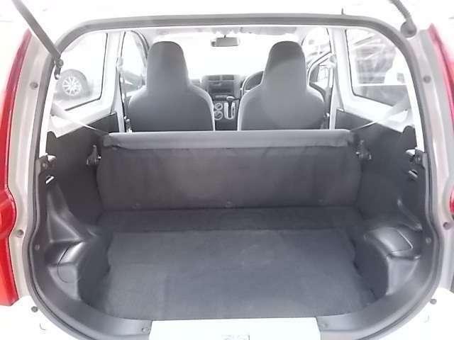 安心の自社工場完備!!お車の事なんでもお問い合わせください。