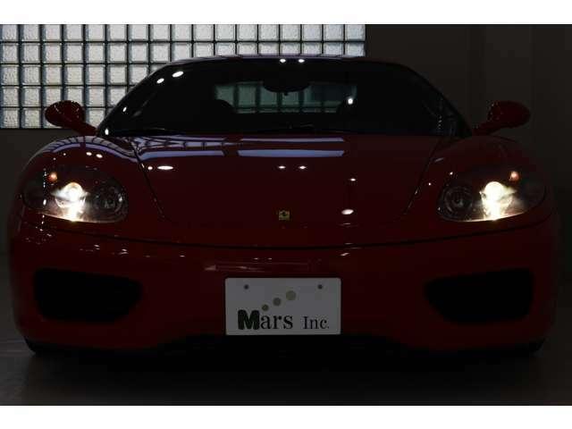 フェラーリ「360モデナ」低走行車輛の入庫でございます!!新型モデルが続々出ても衰える事の無い不動の人気360モデナ、定番カラーロッソに内装は飽きのこないブラックインテリアでまとめられており、