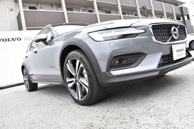 追突回避・軽減フルオートブレーキシステム≪City Safety≫をはじめ、レーンキーピングエイド、ブラインドスポットなど先進の予防安全技術『Intelli Safe』を2015年モデル以降全車全グレード標準装備としました。