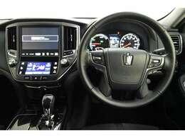 ドライバー目線の画像です。見やすいメーター、操作しやすいスイッチ類もいいですね!