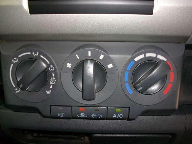 室内快適!エアコン装備車!