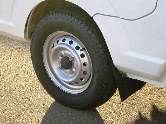 ★12インチタイヤ 溝深さ4mm