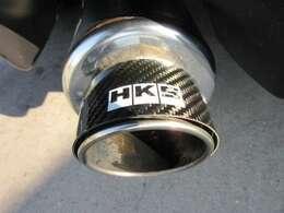 HKS2本出しマフラー付き♪ 程よい音質で品のある仕上がりとなっております♪