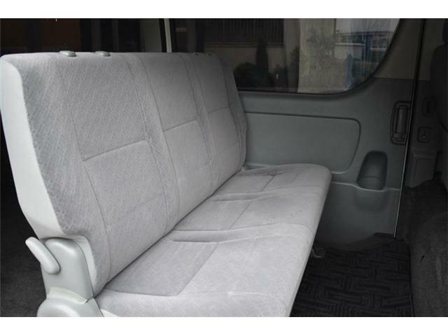 ■後席もとても綺麗で、シミや焦げ穴など全くないです♪■