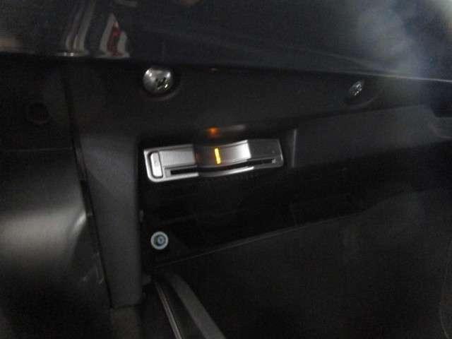 助手席グローブボックス内に、ETC車載器あり