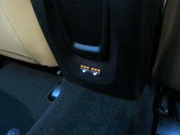 最終モデルですので前席だけでなく後席にもシートヒーターが装備されております!肌触りの優しいレザーシートとの組合せを是非ご体感ください!