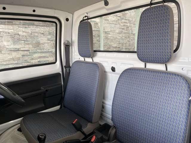 シンプルな設計で座りやすいシートです!
