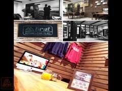 店内は【ブルックリンスタイル】洗練された空間。ドリンクを飲み、くつろぎながらご商談出来る空間になっております。