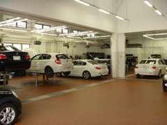 BPS奈良店はサービス工場も併設しており、ご購入後も安心して専門のBMWメカニックがお車の修理等をお受けさせていただけます。