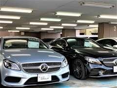 悪天候や夜のご来店でもゆっくりとお車をご覧頂ける屋内展示場!総在庫数約60台の中からご希望通りの1台をご案内致します!!