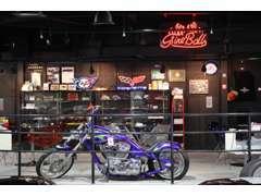 バイクも展示中です。普段なかなか見る事の出来ないフルカスタムです。