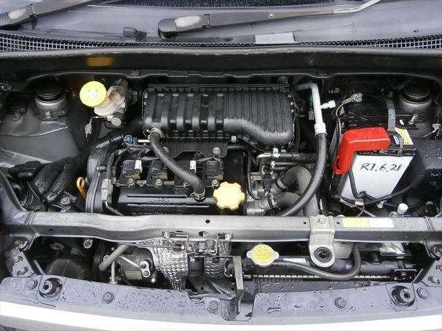 キレイなエンジンです。