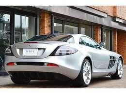 正規ディーラー車のSLRマクラーレンが入庫致しました。